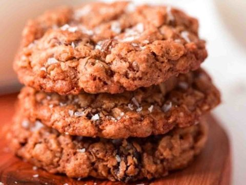 Oatmeal Rasin Cookies On Table
